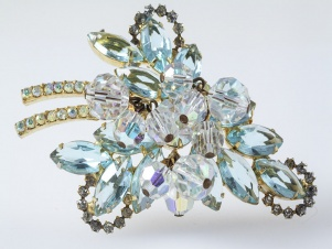 Verified D&E Juliana halo aqua marine rhinestone brooch