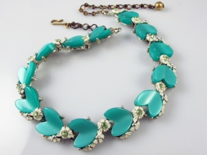 1950s RARE vintage green rhinestone thermoset heart necklace - BSK