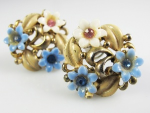 1950s plastic enamel sweet vintage flower clip on earrings