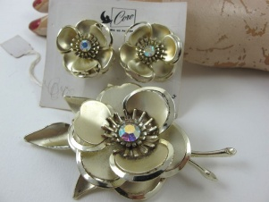 Vintage Coro Pegasus flower brooch earrings on Original Card
