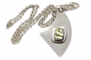 Vintage 1960s stainless steel modernist retro pendant necklace
